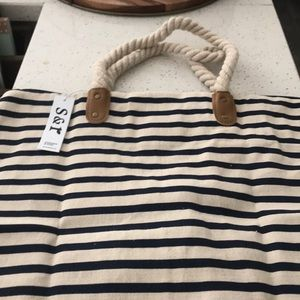 Summer and rose brittany tote in navy